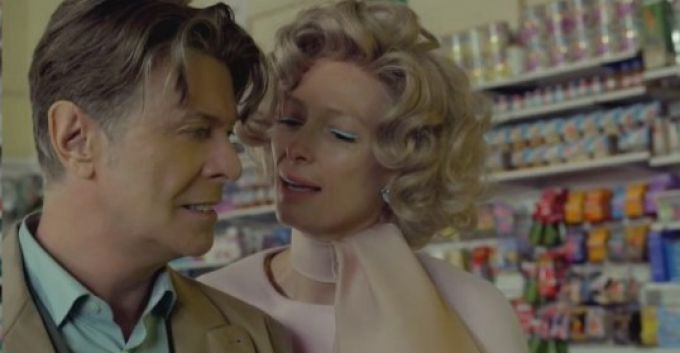 """David Bowie estrena single y video para """"The Stars (Are Out Tonight)"""""""