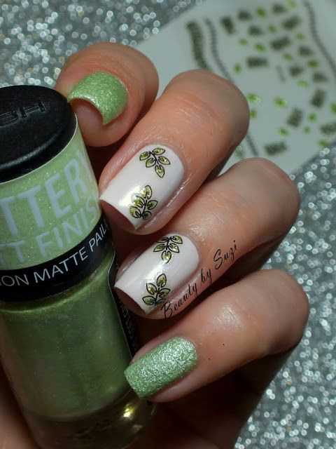 Green Leaf Nail Art