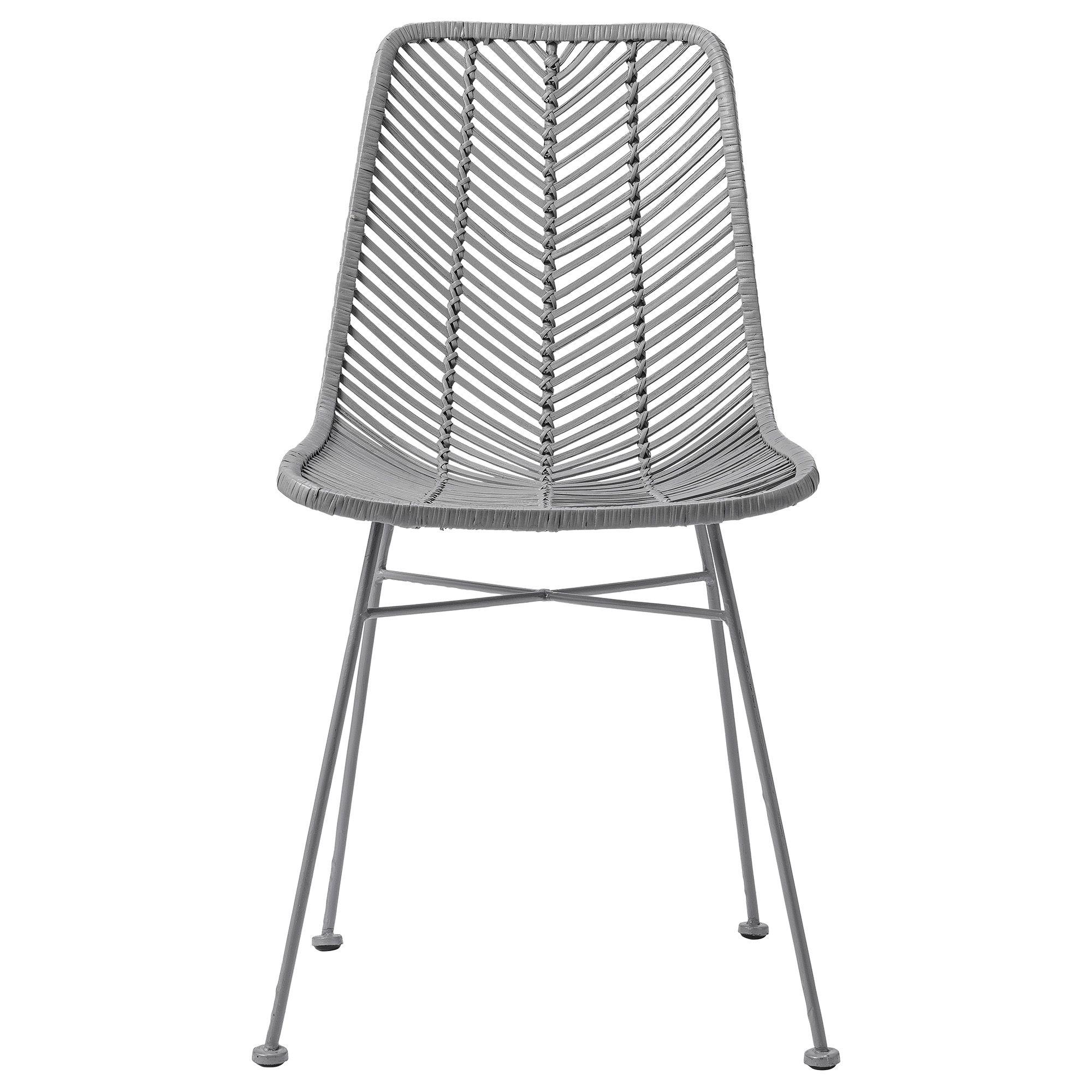 Entdecken Sie den vielseitigen Rattanstuhl LENA von Bloomingville Der Stuhl findet Platz am neuen Schreibtisch