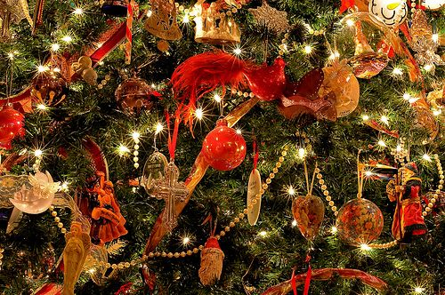 christmas tree sparkles Christmas tree, Tree decorations and