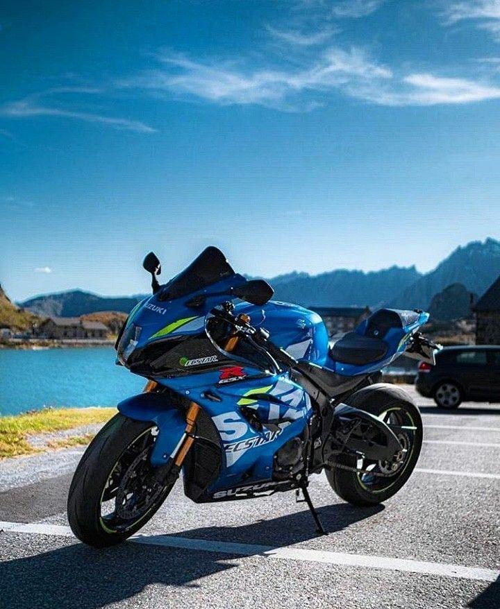 🌕 #gsxr1000r #gsxr750 #suzukigsxr #suzuki #suzukigsxr600 #gsr750 #gsxr1000k8 #gsxrnation #gsxr600k7 #gsxr1100 #gsxrk7 #gsxr #gsxr150 #gsxr1000 #suzuki1000cc #suzukimotorcycle #maxiscoot #motorcycle #motogp #yamahamotogp #mountains #picoftheday #panoramicview #panigalev4 #z800 #z900 #z750 #agv #views😍 #viewfromthetop