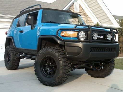 Lifted Voodoo blue FJ Cruiser blacked  http