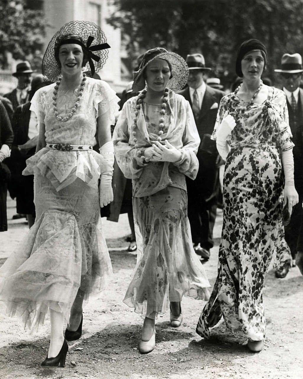 The Paris fashion of 1930s photo by Meurisse