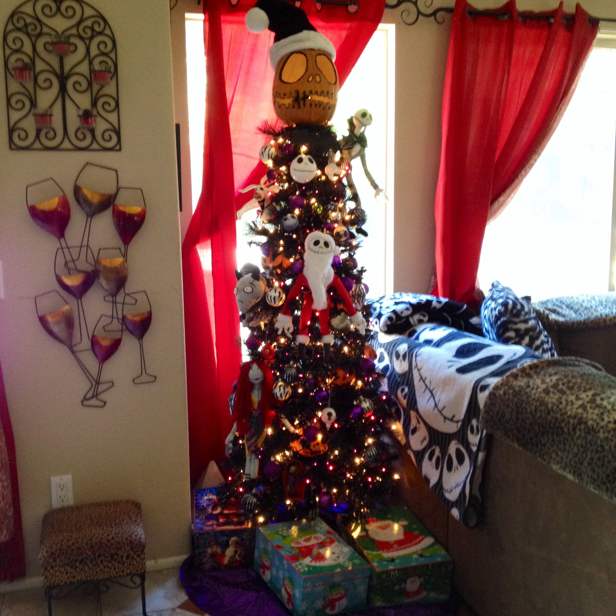2013 Nightmare Before Christmas Tree with special guest ...
