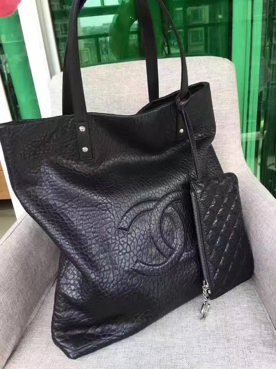 b1d4c8ea72c3 Chanel Calfskin Shopping Tote Black #WomensShoulderbags   Bags in ...