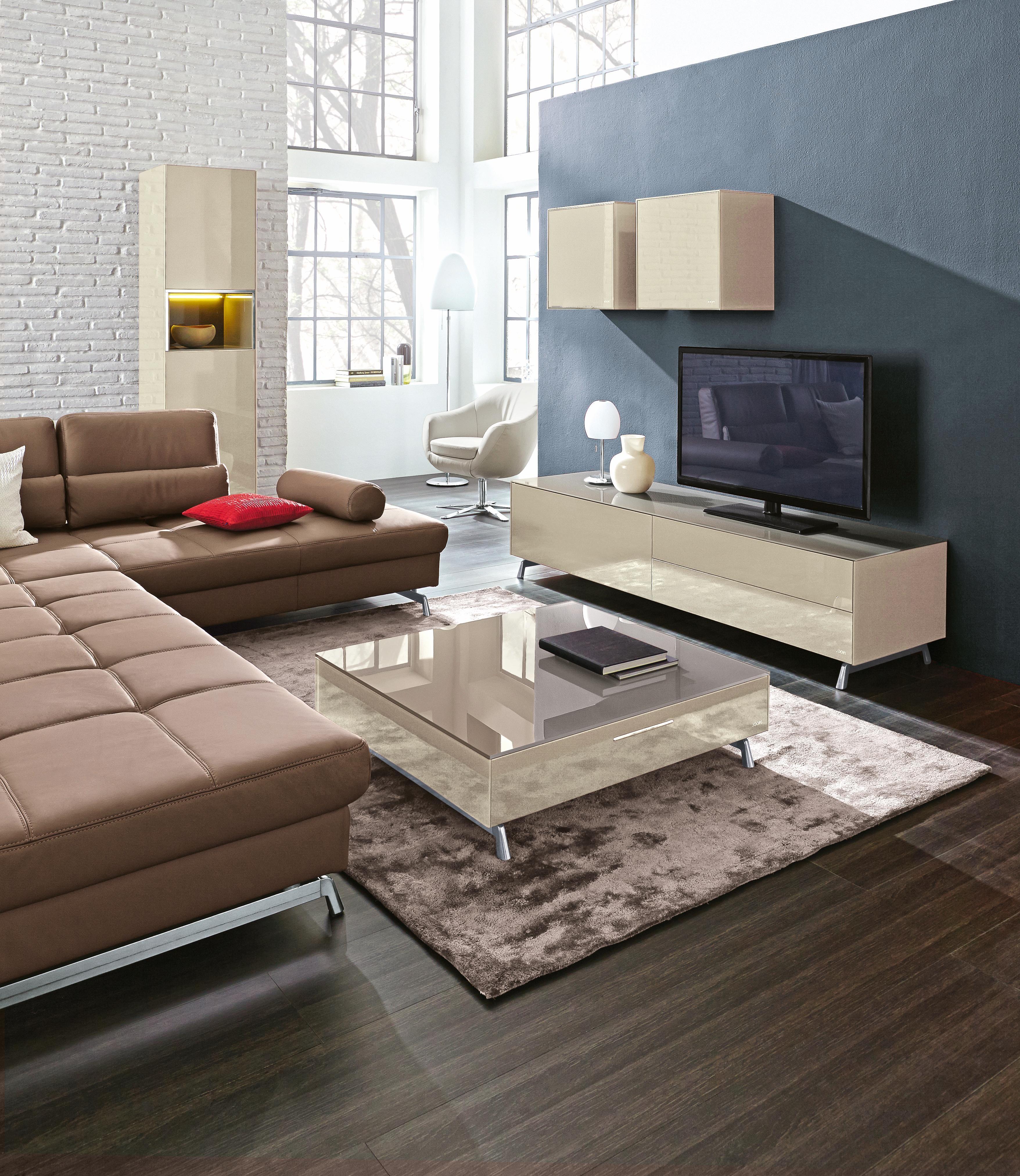 Hochwertiges Tv Board Von Joop Schafft Einzigartiges Ambiente Das Moderne Design In Kombinaton Mit Der Beigen Farbgebun Möbel Wohnzimmer Joop Möbel Wohnzimmer