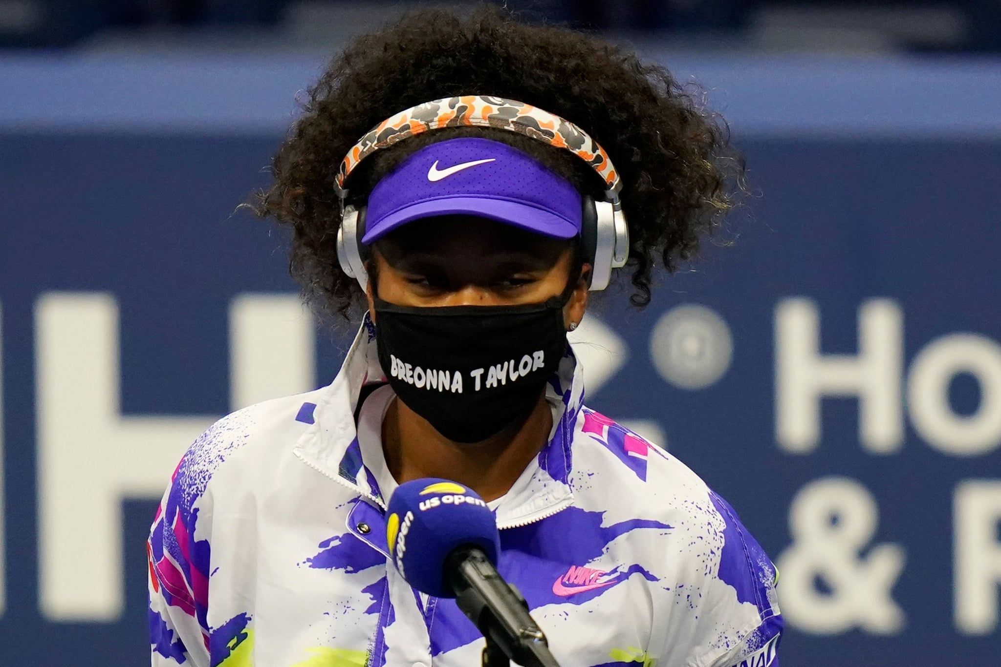 Naomi Osaka Wears A Breonna Taylor Mask For Round 1 Of The Us Open In 2020 Diy Hair Mask Taylor S Naomi