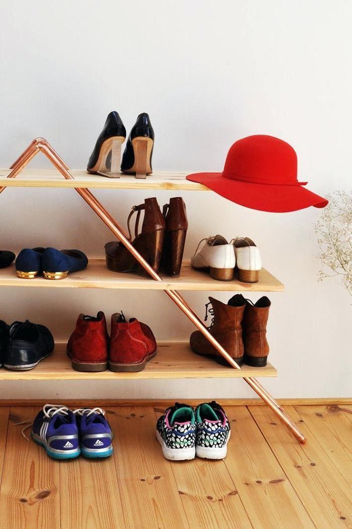 DIY : 16 idées pour fabriquer un meuble à chaussures | Meuble chaussure, Astuce rangement ...