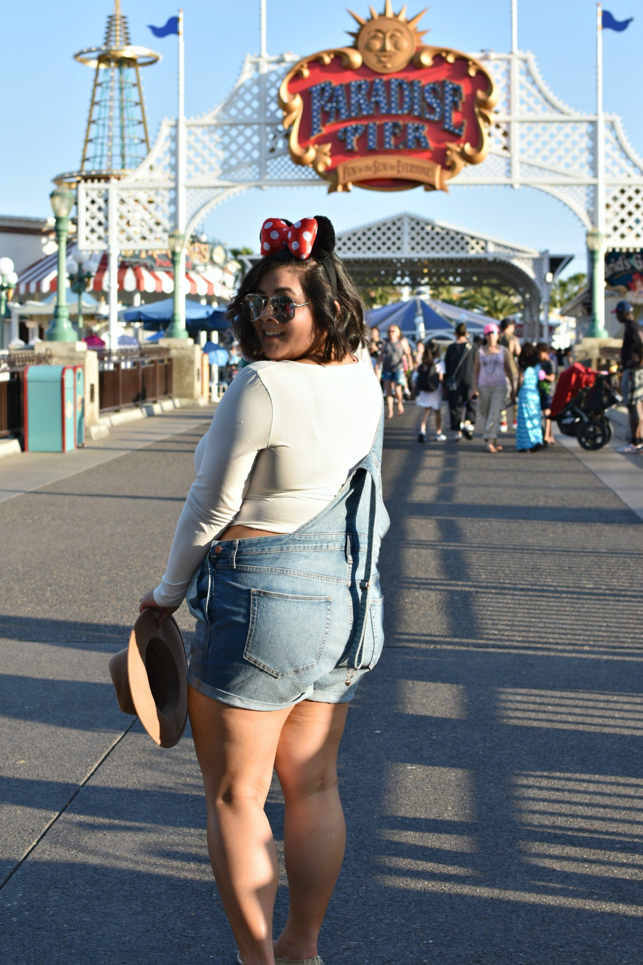 f9c3bb390866 Finding a plus size summer Disneyland outfit is a fun challenge. First  timers should consider comfort to fully enjoy the park.