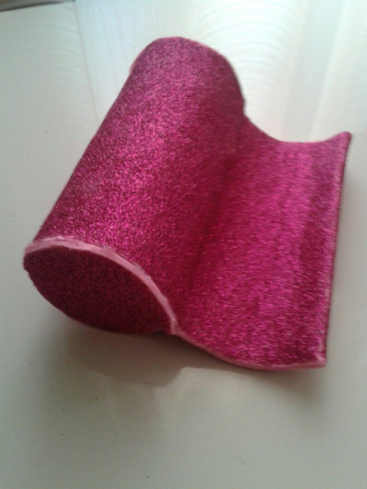 Porta celular feito de rolo de papel e envolto em e.vá com gliter