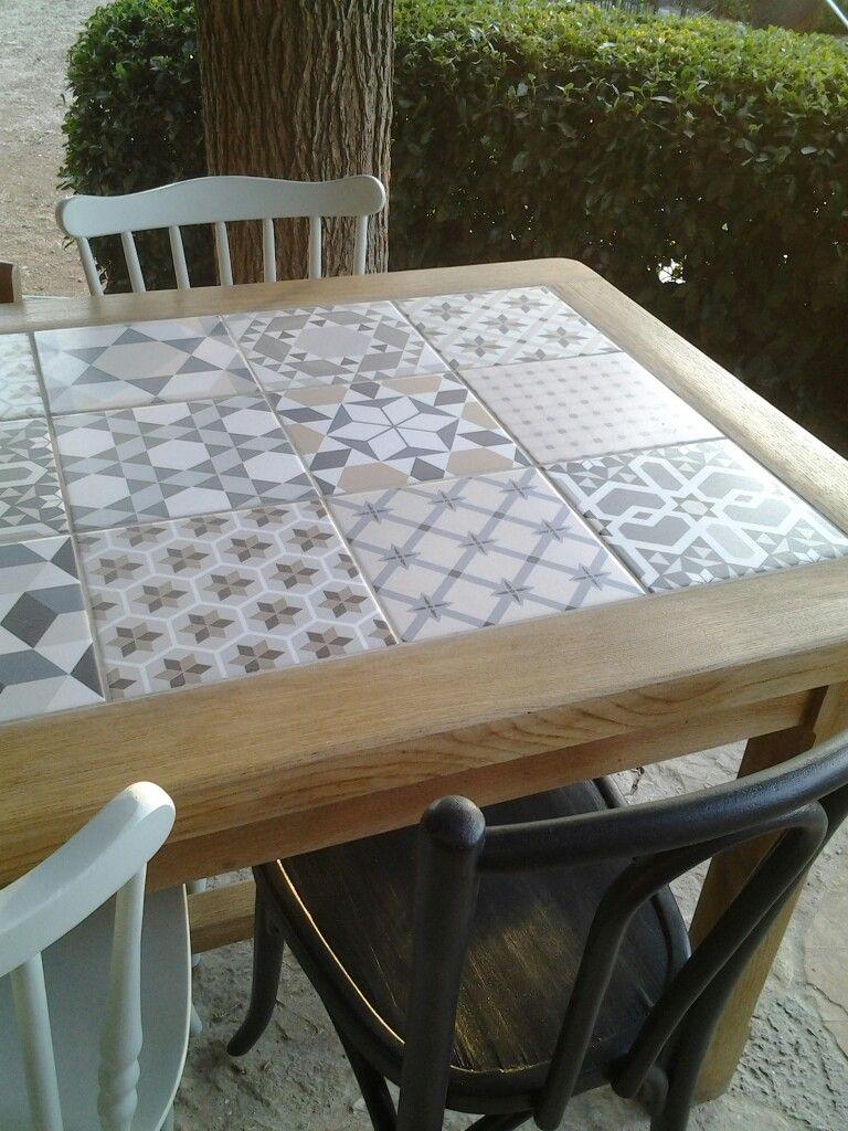 Table Ancienne Renovee Chene Clair Et Carreaux De Ciment Instagram Le Reveil Du Bois Dormant Table De Salon Table Bois Table Salle A Manger