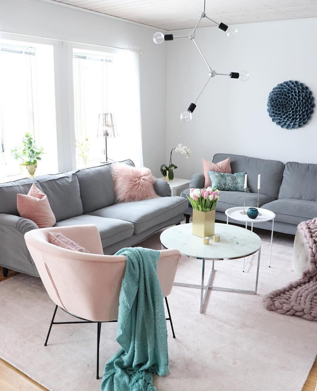 25 Amazing And Most Suitable Sofa And Rug Combination You Need To Try For Your Living Room images