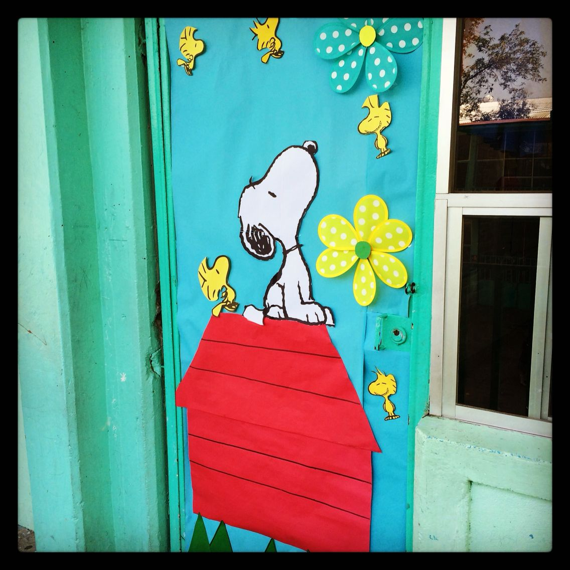 Snoopy for the classroom so cute welcome spring door 4 my class pinterest snoopy - Spring door decorations for school ...
