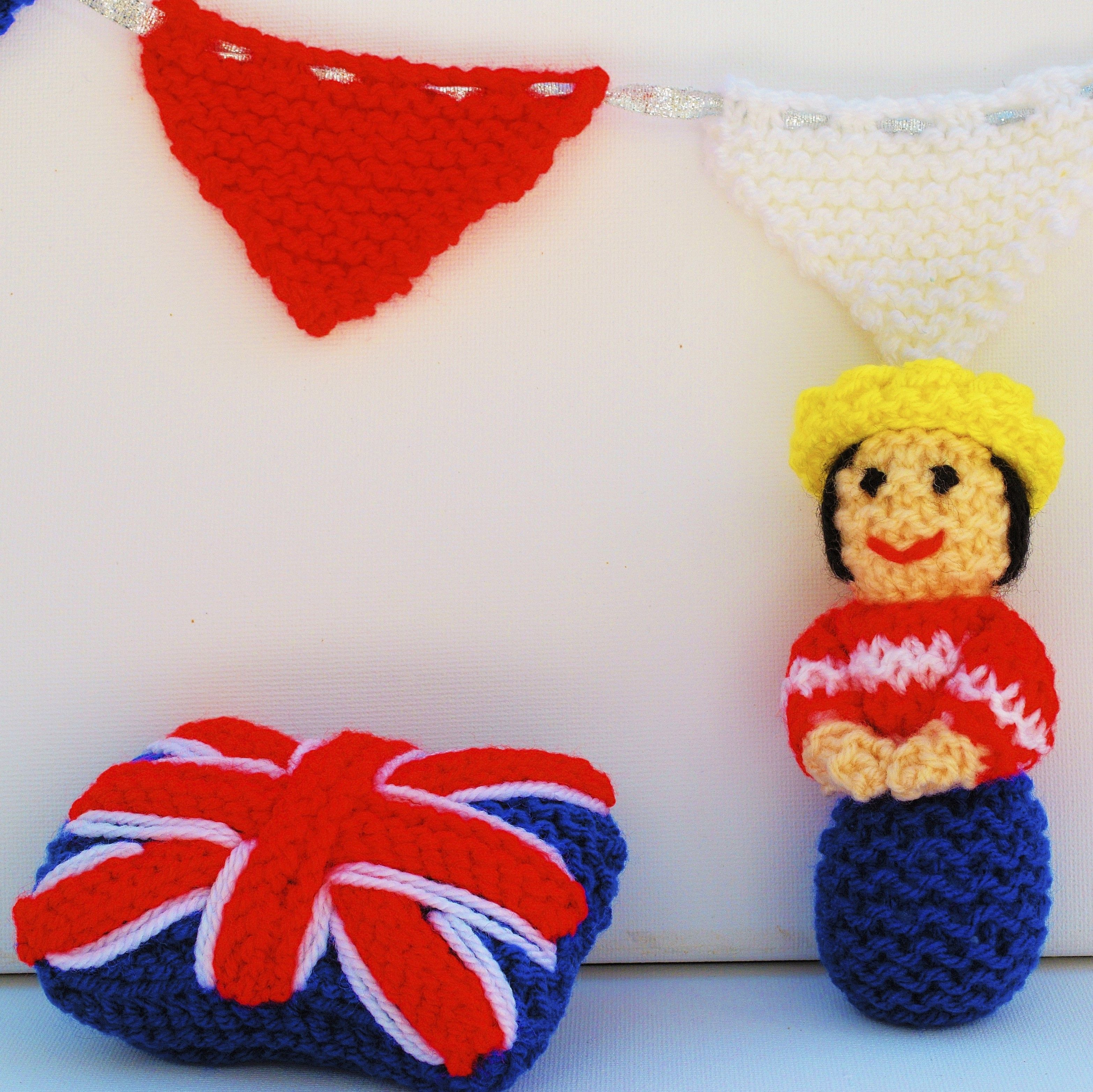 Queen Doll and Bunting Knitting Pattern   Knit patterns, Beginner ...