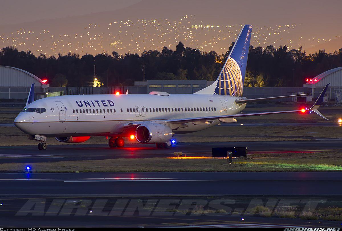 Boeing 737824, United Airlines, N73259, cn 30803/854