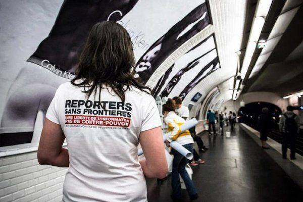 Top 5 Des Affiches De Reporters Sans Frontieres Les Chefs De La Censure Vous Saluent Http Www E Reporters Sans Frontieres Frontieres Liberte De La Presse