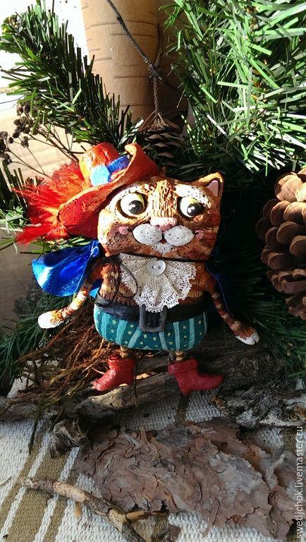 Купить Кот в сапогах(ёлочная игрушка) - ярко-красный, сказочный персонаж, кот в сапогах, сказка на ладошке