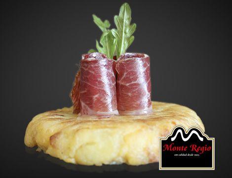 El pincho del día: tortilla española con jamón ibérico #MonteRegio