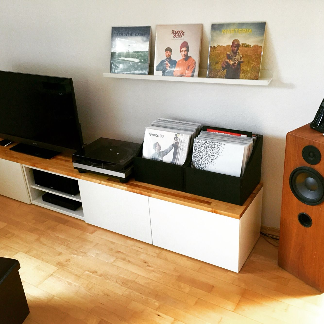 ikea besta hack besta hacks pinterest ikea hack living rooms and loft ideas. Black Bedroom Furniture Sets. Home Design Ideas