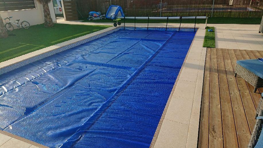 Lona de burbujas cobertores solares mantas termicas para piscinas lona de piscinas todo - Mantas termicas para piscinas ...
