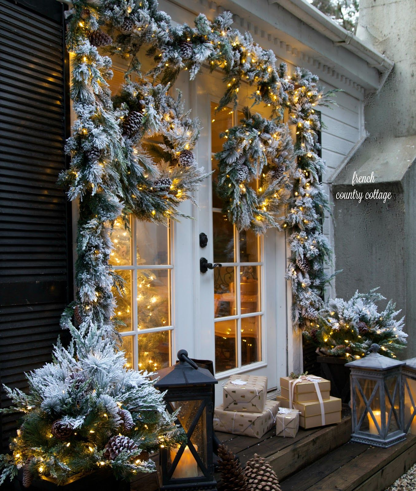 Merry & bright Christmas outdoors - French Country Cottage ...
