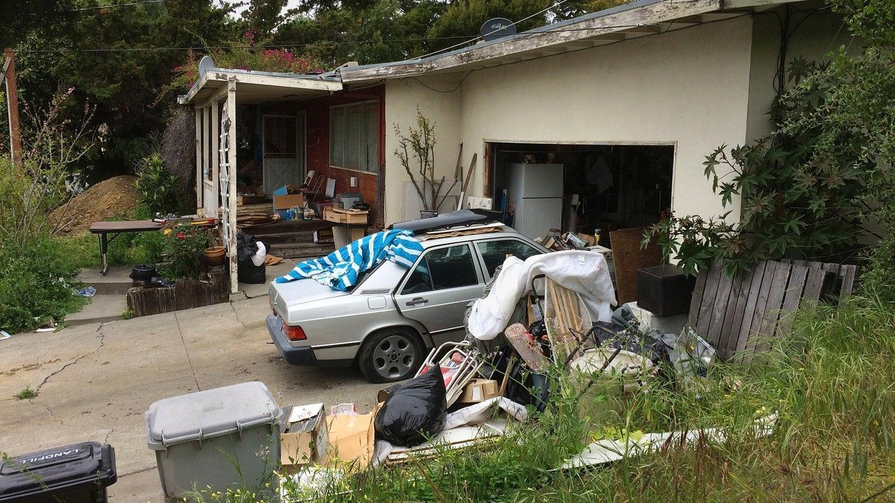 Condemned California Home With Holes In Roof Mildew Sells For 1 23 Million California Homes Selling House Real Estate Usa