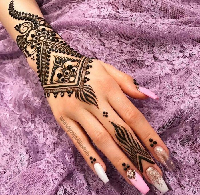 1001 id es pour un tatouage henn ultra impressionnant mehndi and hennas. Black Bedroom Furniture Sets. Home Design Ideas