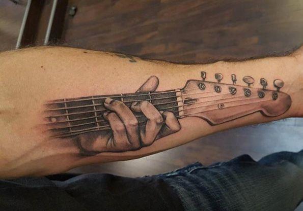 Body Tattoo S Guitar Tattoo By Adept Tattoos Tatouage Guitare Tattoo Manche Et Tatouage