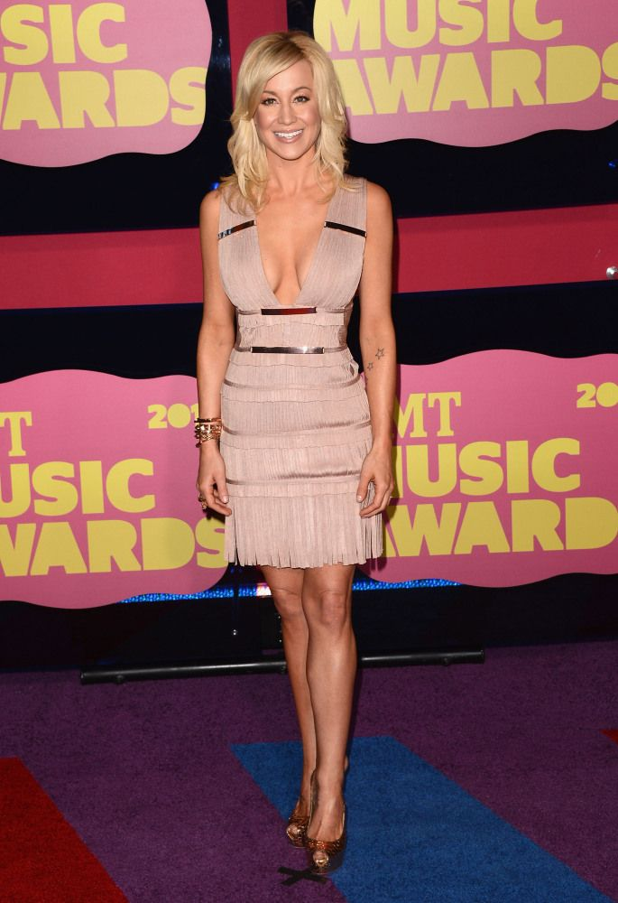 Kellie Pickler: I love her! And I love her dress!   fashion is a ...