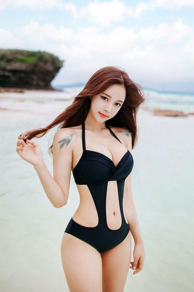 Asian Woman Min Med 14