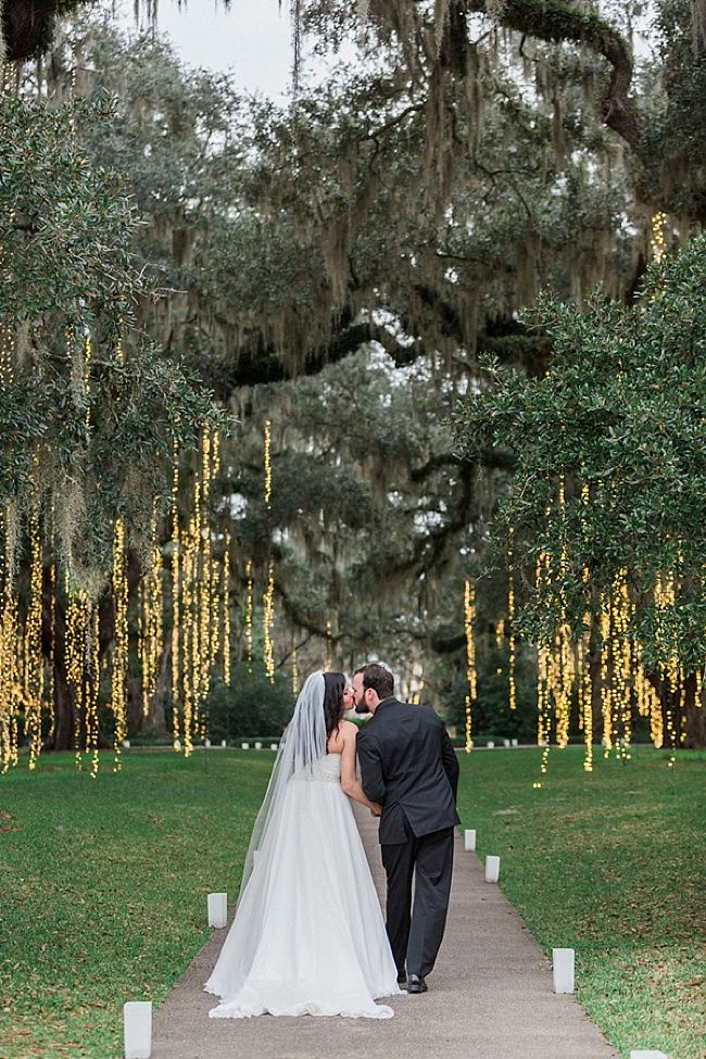 Winter Brookgreen Gardens Wedding In Murrells Inlet South Carolina By Myrtle Beach Vendors Ava Moore Photography Smells Like Peonies Events