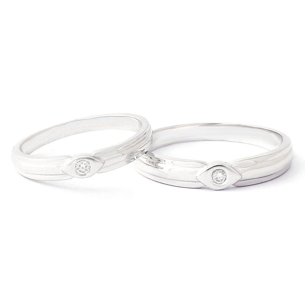 Nhẫn cưới đính đá Swarovski