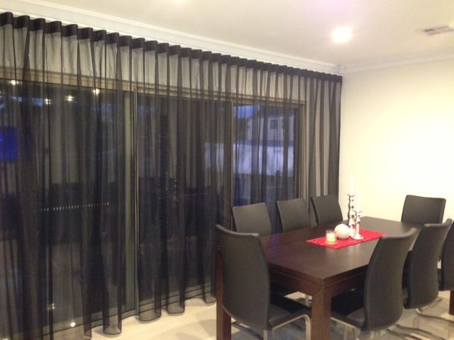 S Fold Or Wave Curtain Hung Just Under The Cornice I Like This