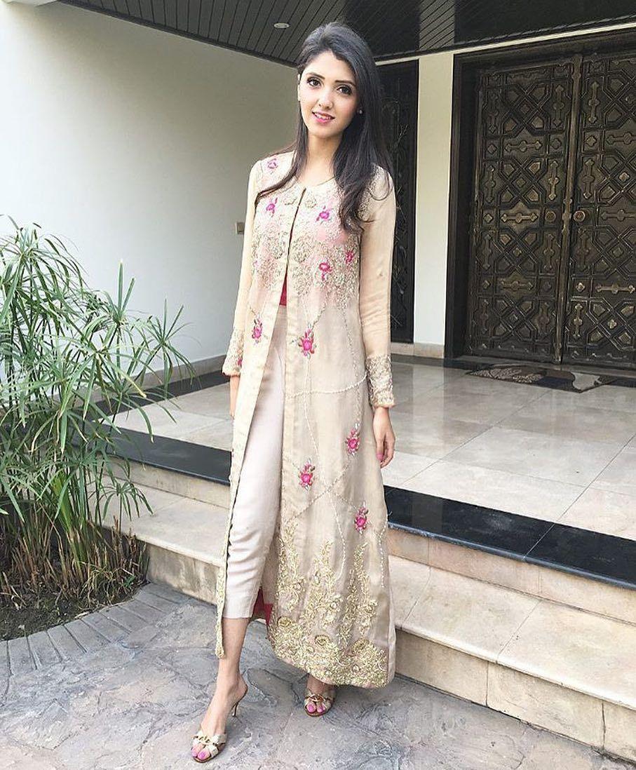Street Pakistani fashion