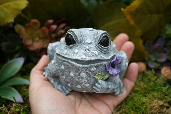 Frog Statue - Concrete Frog Toad Outdoor Garden Decoration