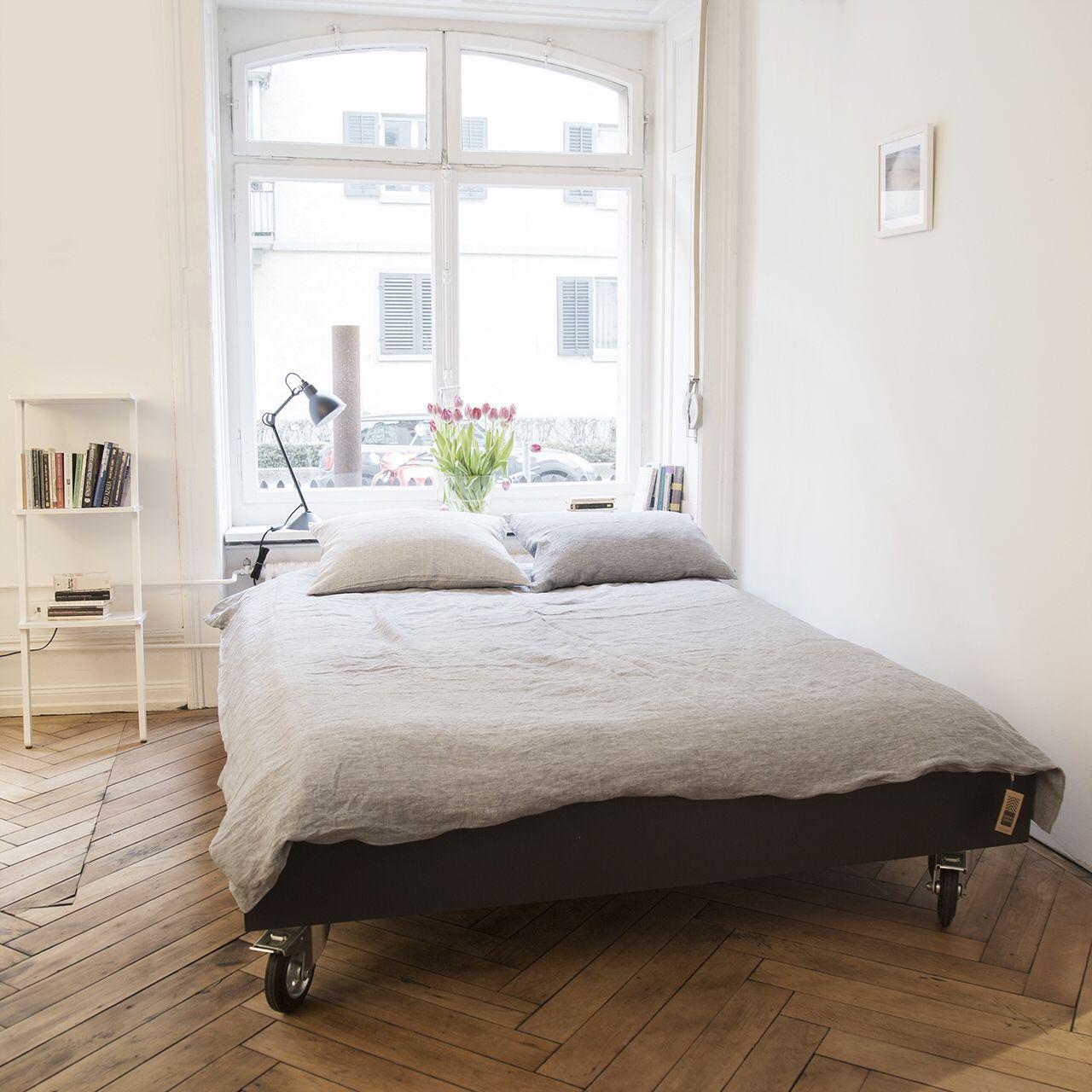 Bett auf Rollen | Bett, Diy bett und Schlafzimmer bett