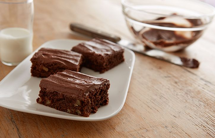 Try this Chocolate Cream Cheese Brownies recipe, made with HERSHEY'S products. Enjoyable baking recipes from HERSHEY'S Kitchens. Bake today.