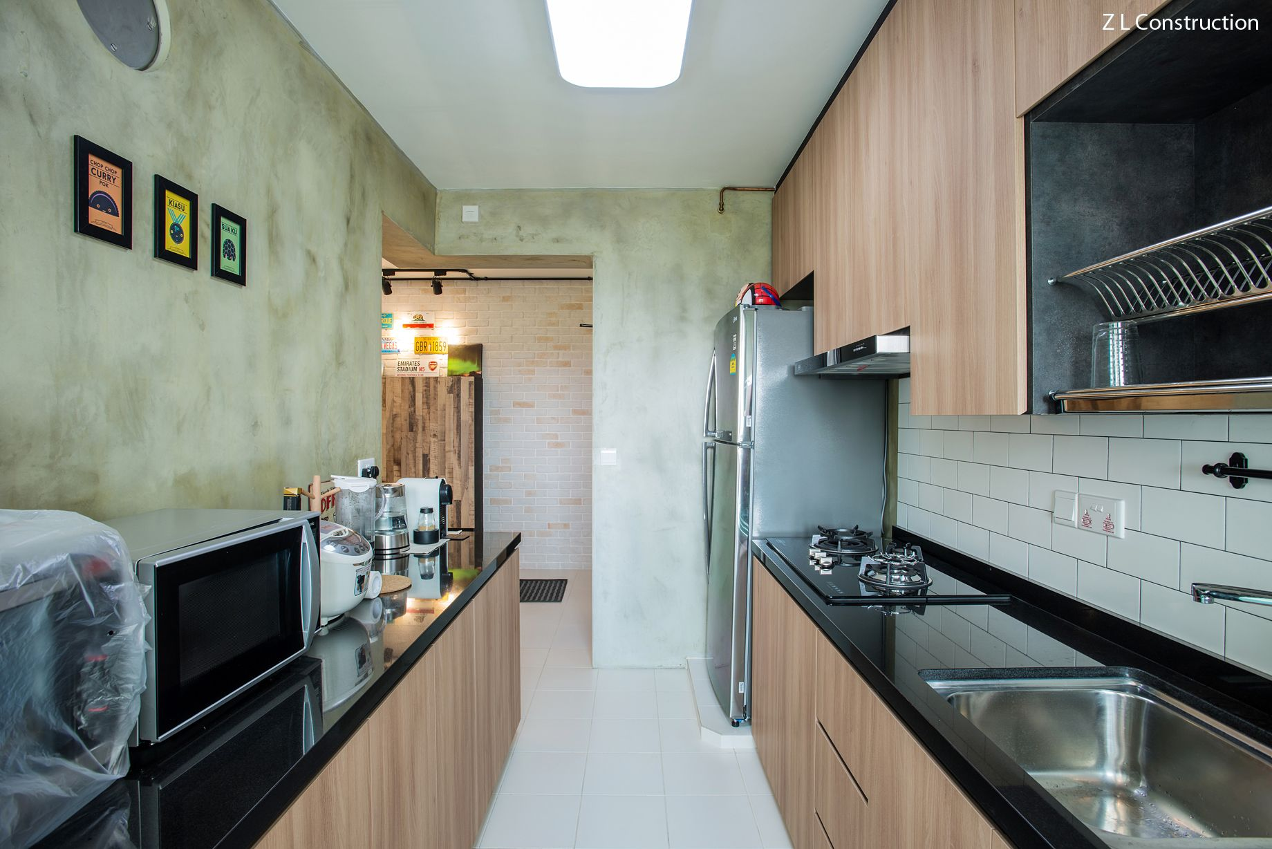 Z L Construction (Singapore) // Kitchen Cabinets Topped