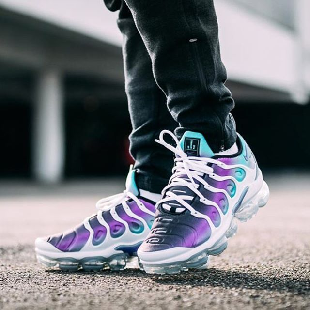 c15809449b1d ... Air max 95 Oreo Inverse sneakersbykaza sneakernews nike sneakerhead  sneakersaddict airmax95  What colorway of the Vapormax TN is your favorite  By ...