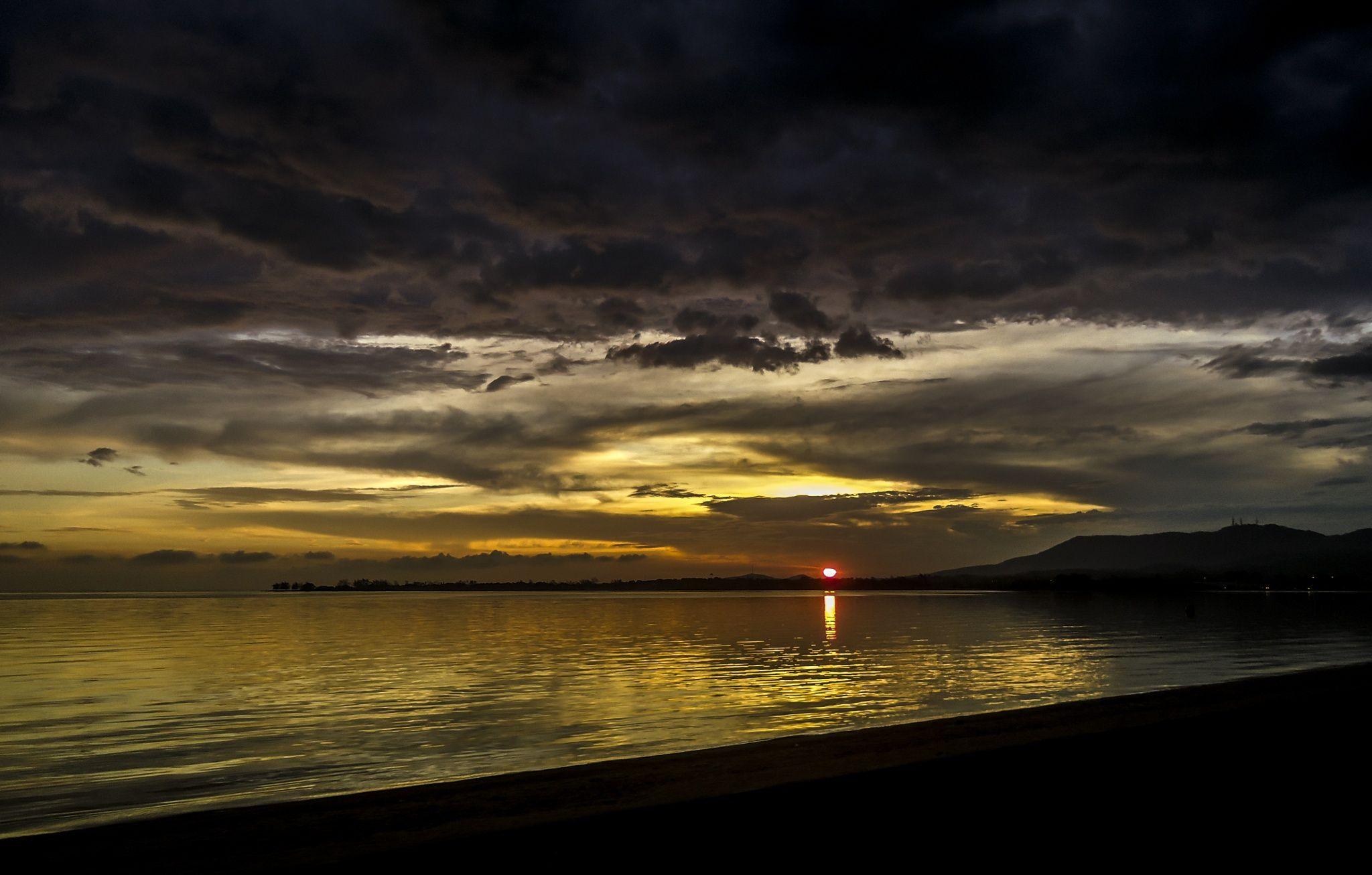 Sunset in boulevard by Digão Saldanha on 500px