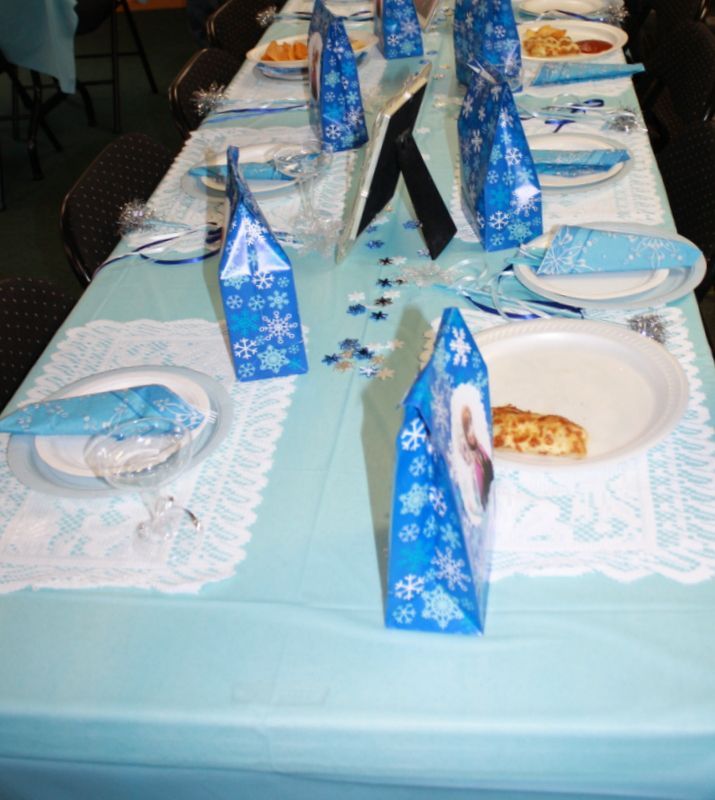 perfect table setting for kids | Frozen Birthday Party Ideas ...