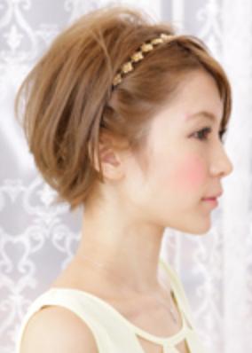 ショート ヘア 結婚式 カチューシャ」の画像検索結果【2019