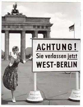 Pin von Amélie von Tharach auf Mode und mehr   Berlin, West