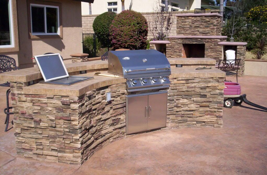Outdoor Kitchen add a small sink on the side instead of ...