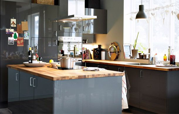 Love the grey with the wooden counter tops Couleur cuisine