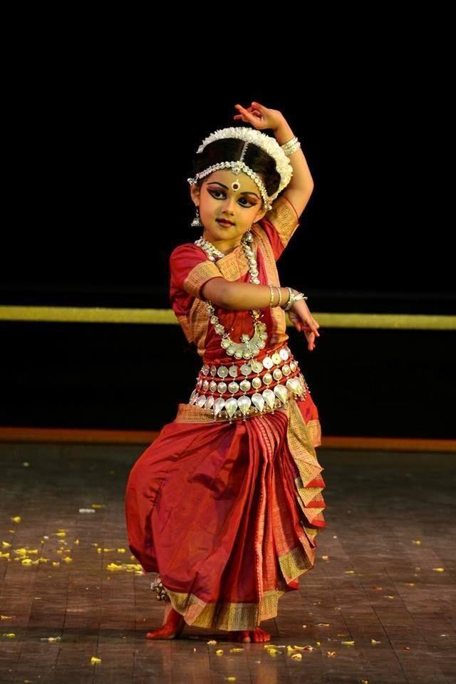 Cute Odissi Dancer Bharatanatyam Poses Indian Classical Dance Kathak Dance
