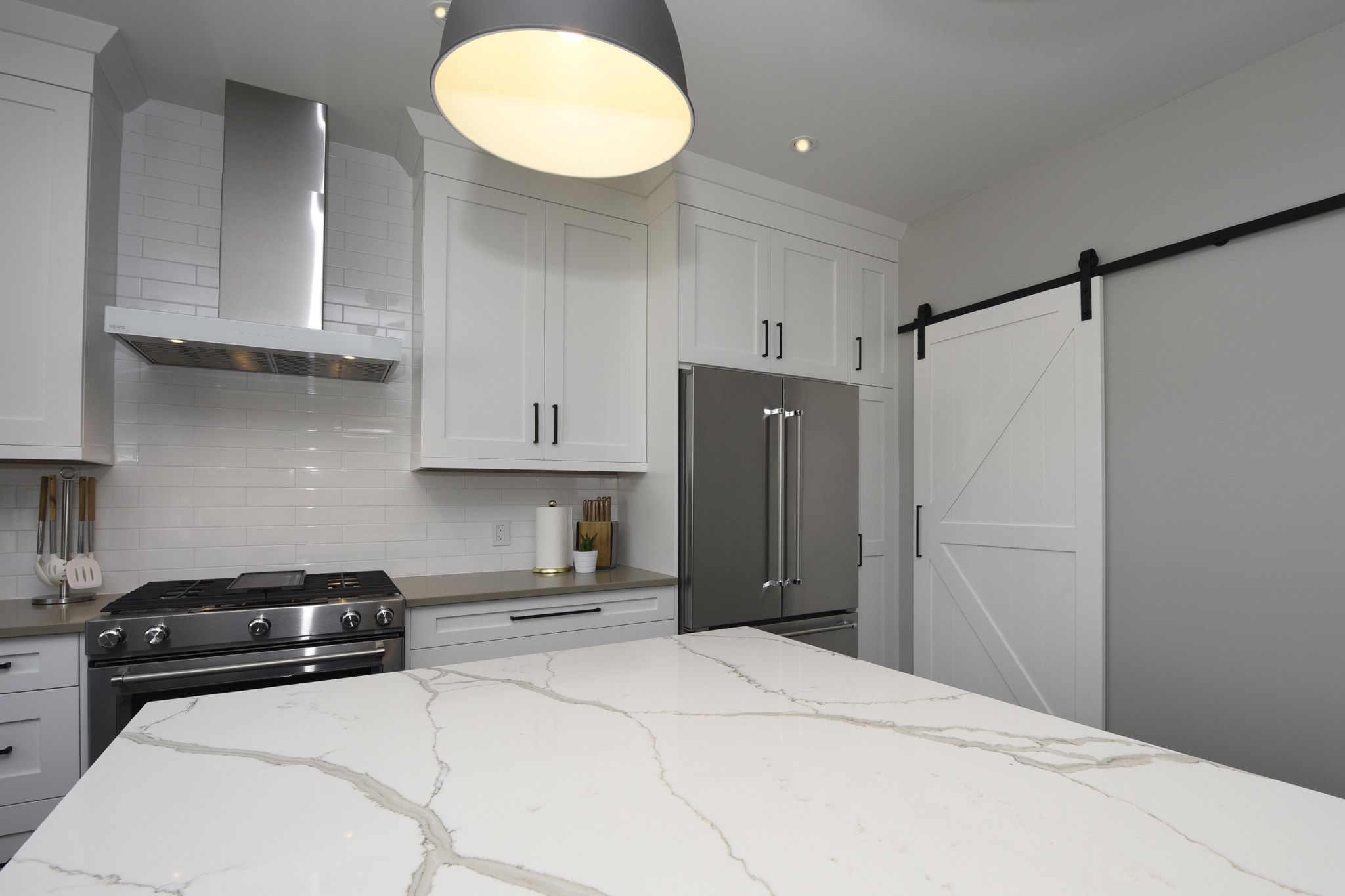 QUARTZ COUNTERTOPS!!! The look of marble without the maintenance ...