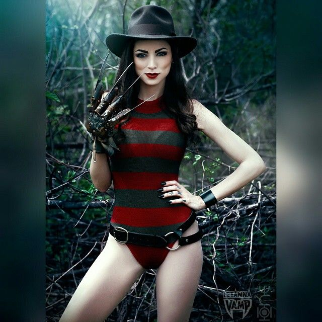 One, Two, Leeanna Vamps Coming For You  Freddy Kruger -9005