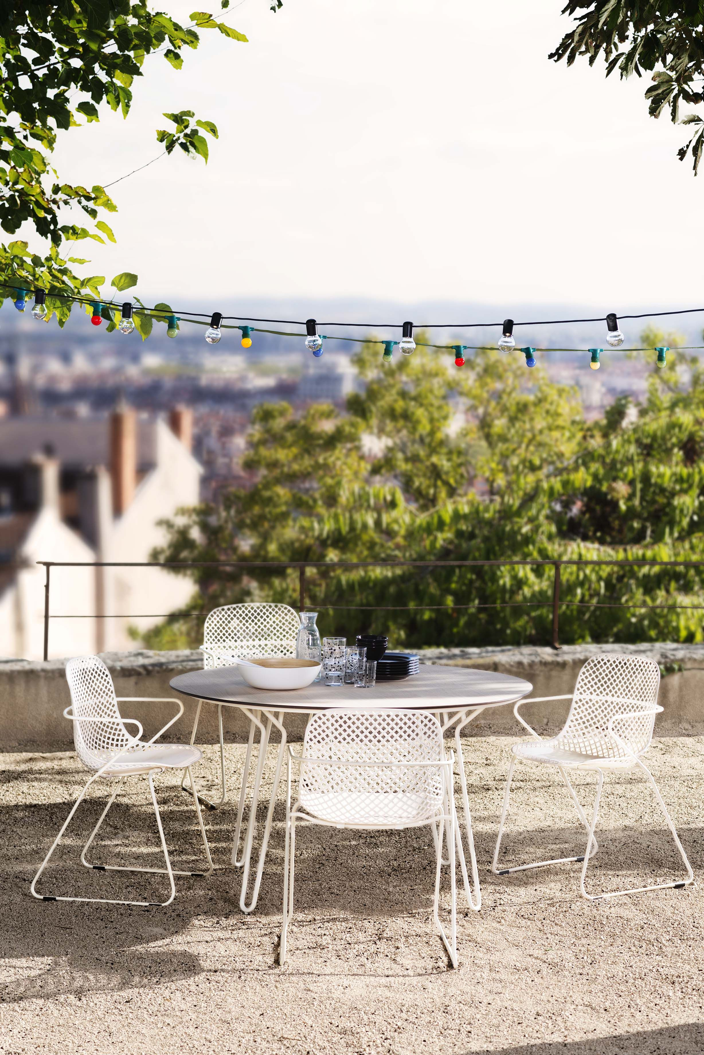 Une ambiance vintage pour votre mobilier de jardin qui accueille le ...