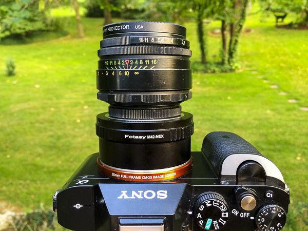 Creating swirly bokeh with the Helios 44-2 lens